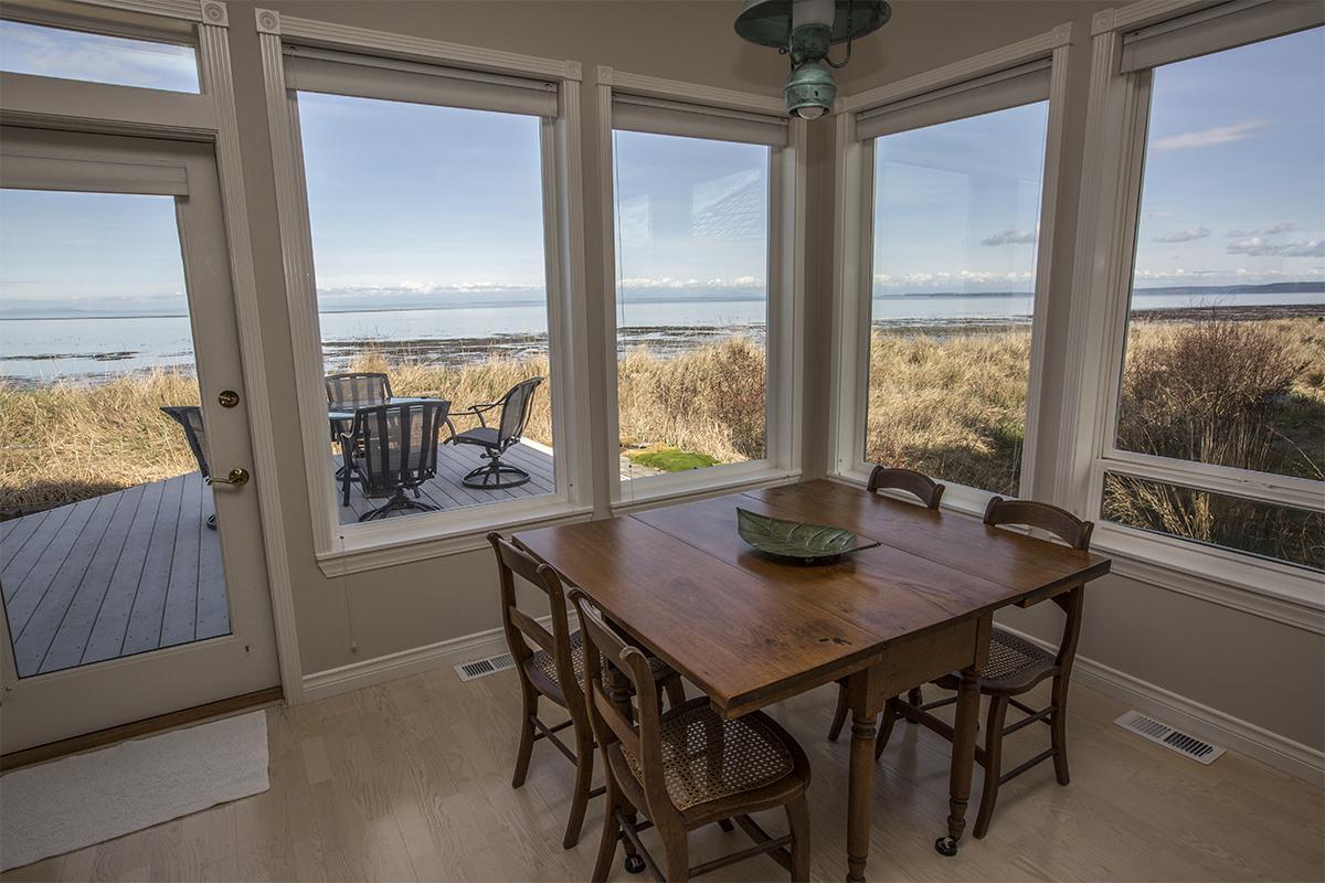 3-Window-Breakfast-Nook
