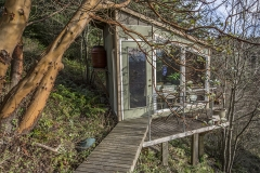 Q-Hillside-Cabin